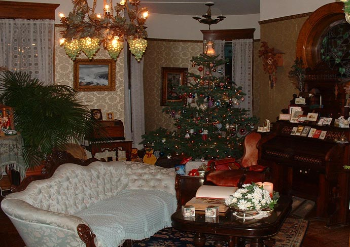 Holiday Tour Of Victorian Homes