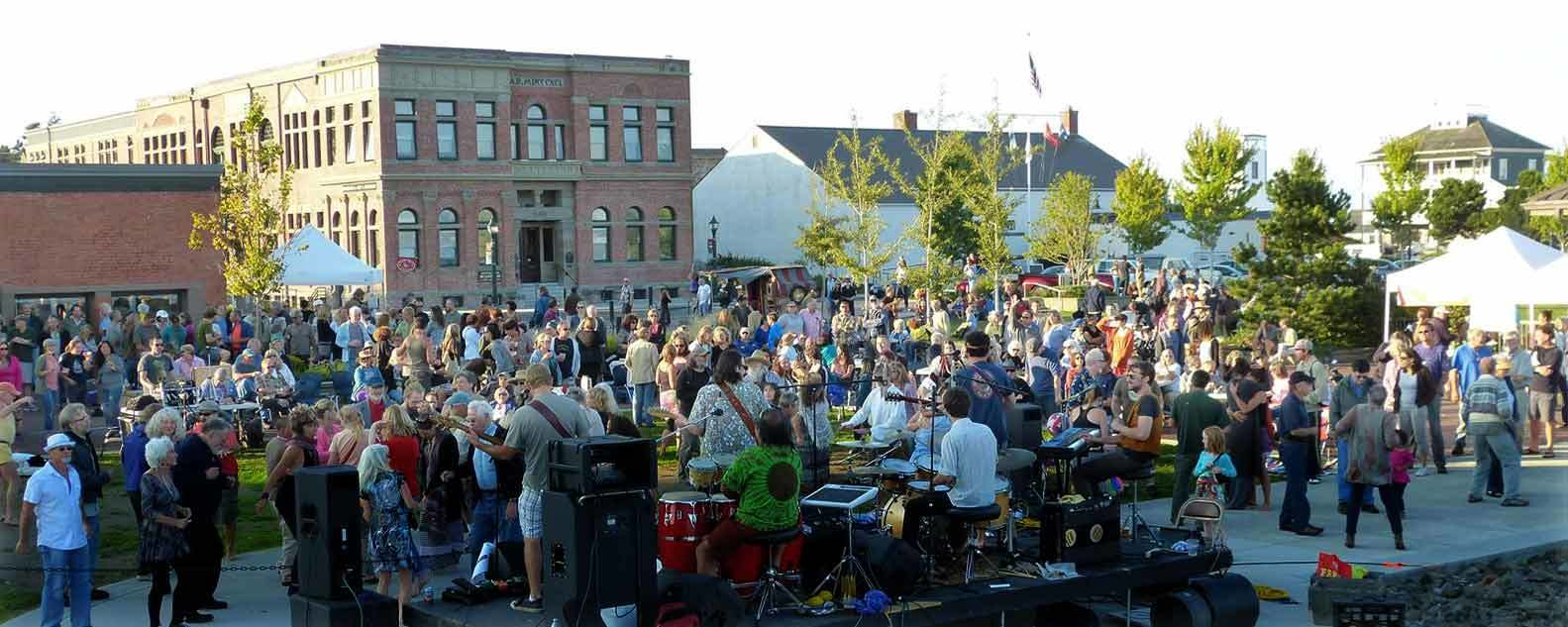 concerts-on-the-dock-by-mike-carroll
