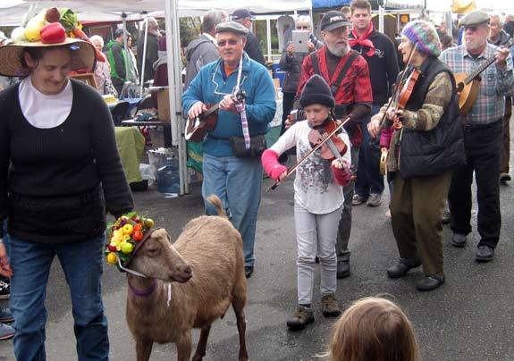pt-farmers-market-opens
